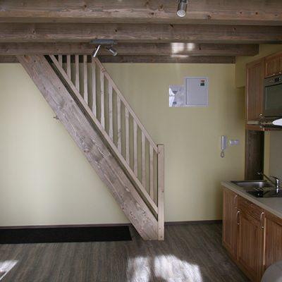 apartman 3 - obyvacka schody
