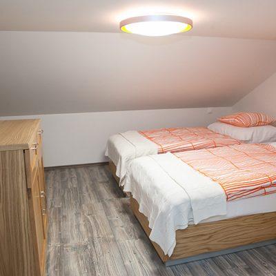 apartman 3 spalna na poschodi 2