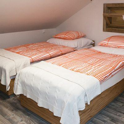 apartman 3 spalna na poschodi