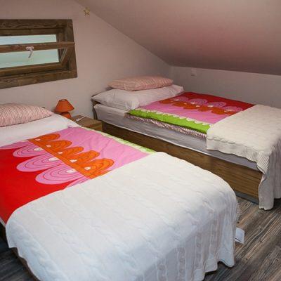 apartman 6 spalna na poschodi
